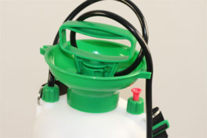 Simply unscrew to fill with ready to spray insecticide such as Insectaclear C, replace and pump handle to pressurise.